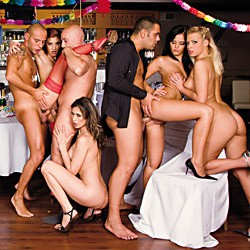 Private video: La soiree du reveillon finie en grande orgie
