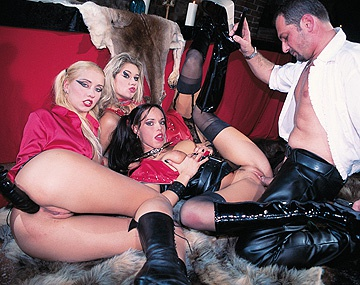 Private  porn video: Julie Silver Sarah Blue and Sarah O Neal Foursome with Spanking