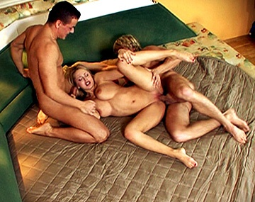 Private HD porn video: Trio Anal Pour Mandy Dee