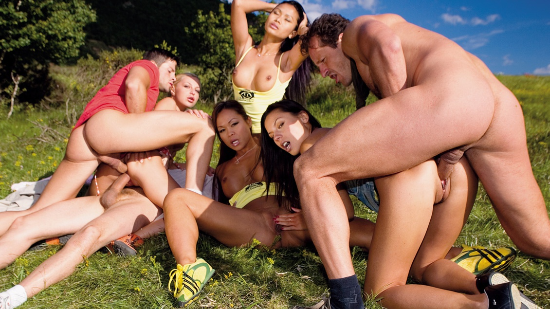 Outdoor group sex party