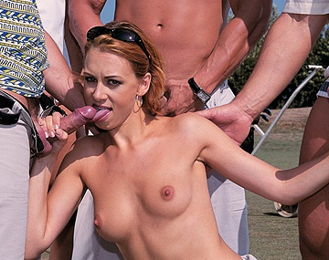 Private  porn video: Gang Bang en mitad del campo de golf con Vivienne