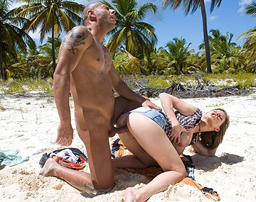 Private  porn video: Big Tittied Starlet Tarra White Gets Anally Fucked on the Beach