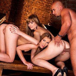 Private video: Alexis And Charlyse Threeway Play