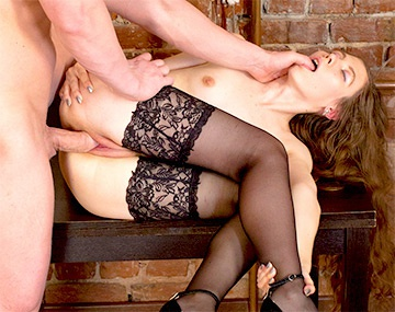 Private HD porn video: Russische Stefany wird in sexy Strapsen gefickt